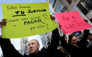 Jueces, fiscales y letrados piden derogar la ley de tasas judiciales